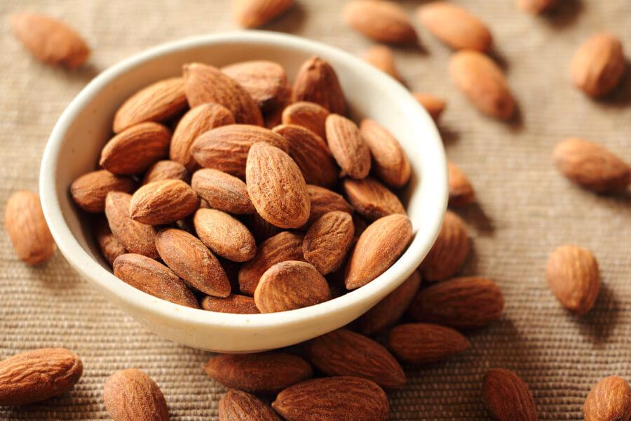 ビタミンEはメラニンが沈着してシミとなるのを防ぐ効果があります。